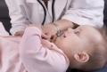 Baby bei einer Untersuchung
