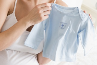 Blaues Babyhemdchen